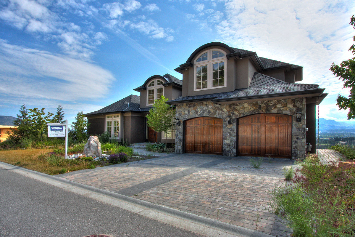 West Kelowna Estate-front