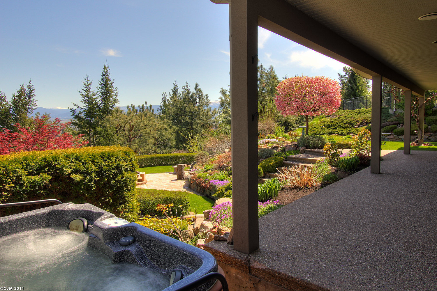 West Kelowna Estate-patio
