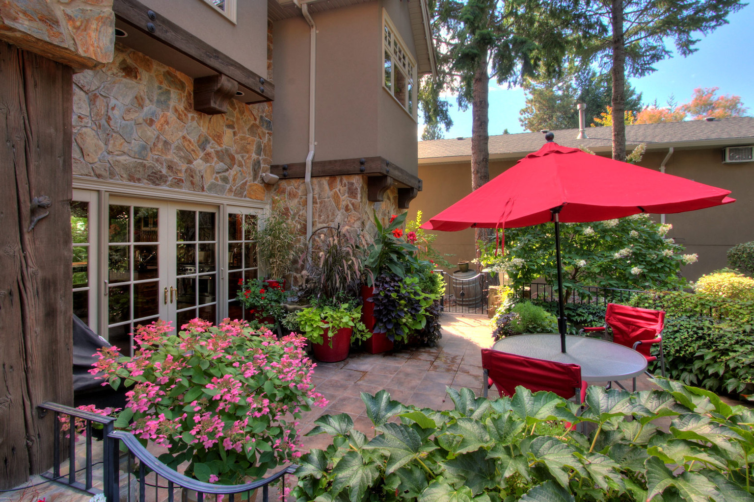 West Kelowna Estates - patio