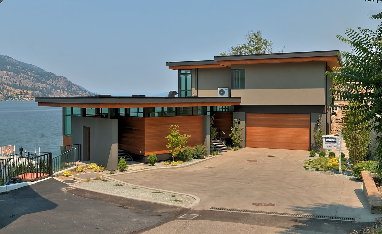 316 poplar point kelowna waterfront property for Home designs bc
