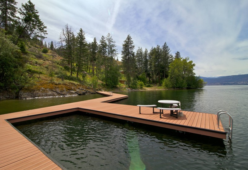 Kelowna Lakeshore Acreage for sale
