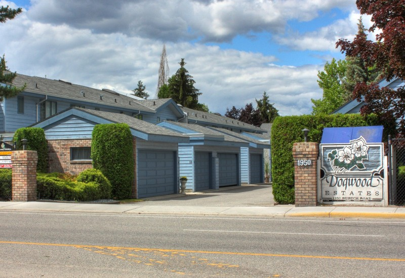Kelowna townhome central location