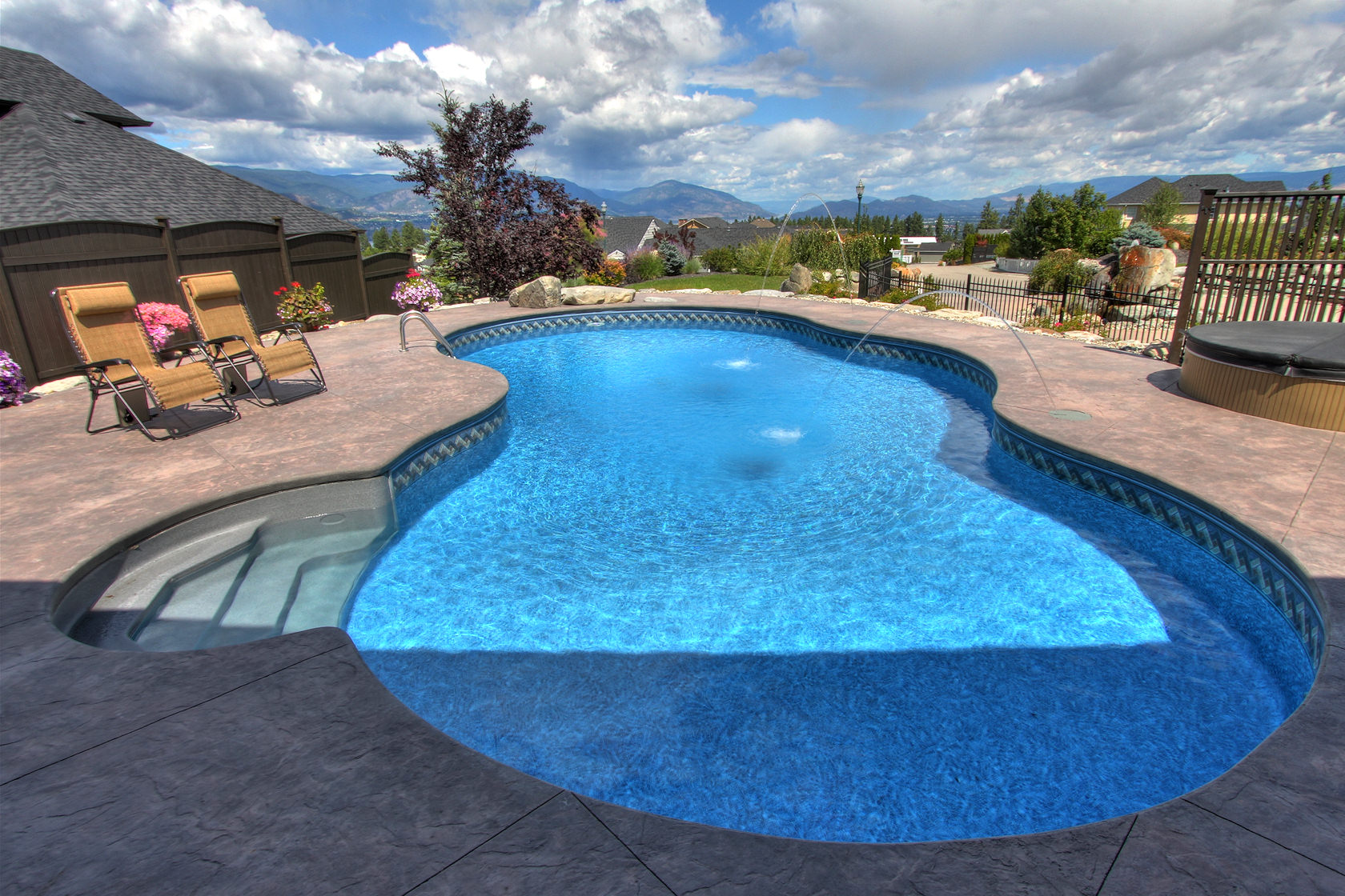 5399 hedeman kelowna lakeview and pool for Pool design kelowna