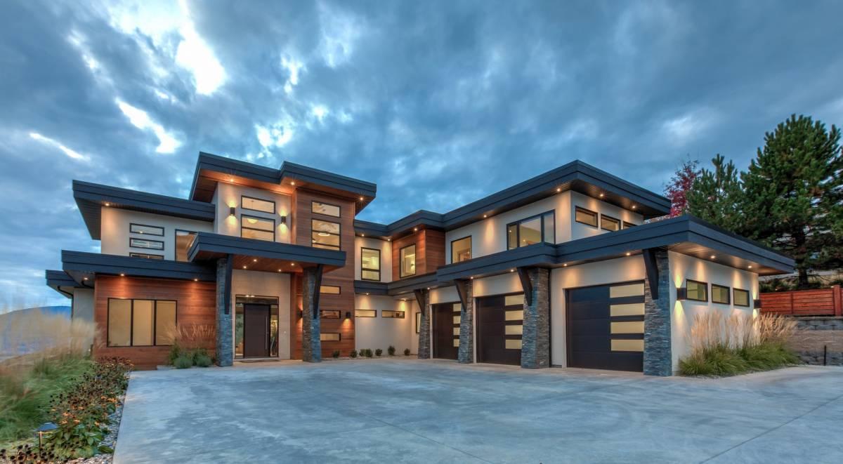 Luxury Kelowna home at Highpointe