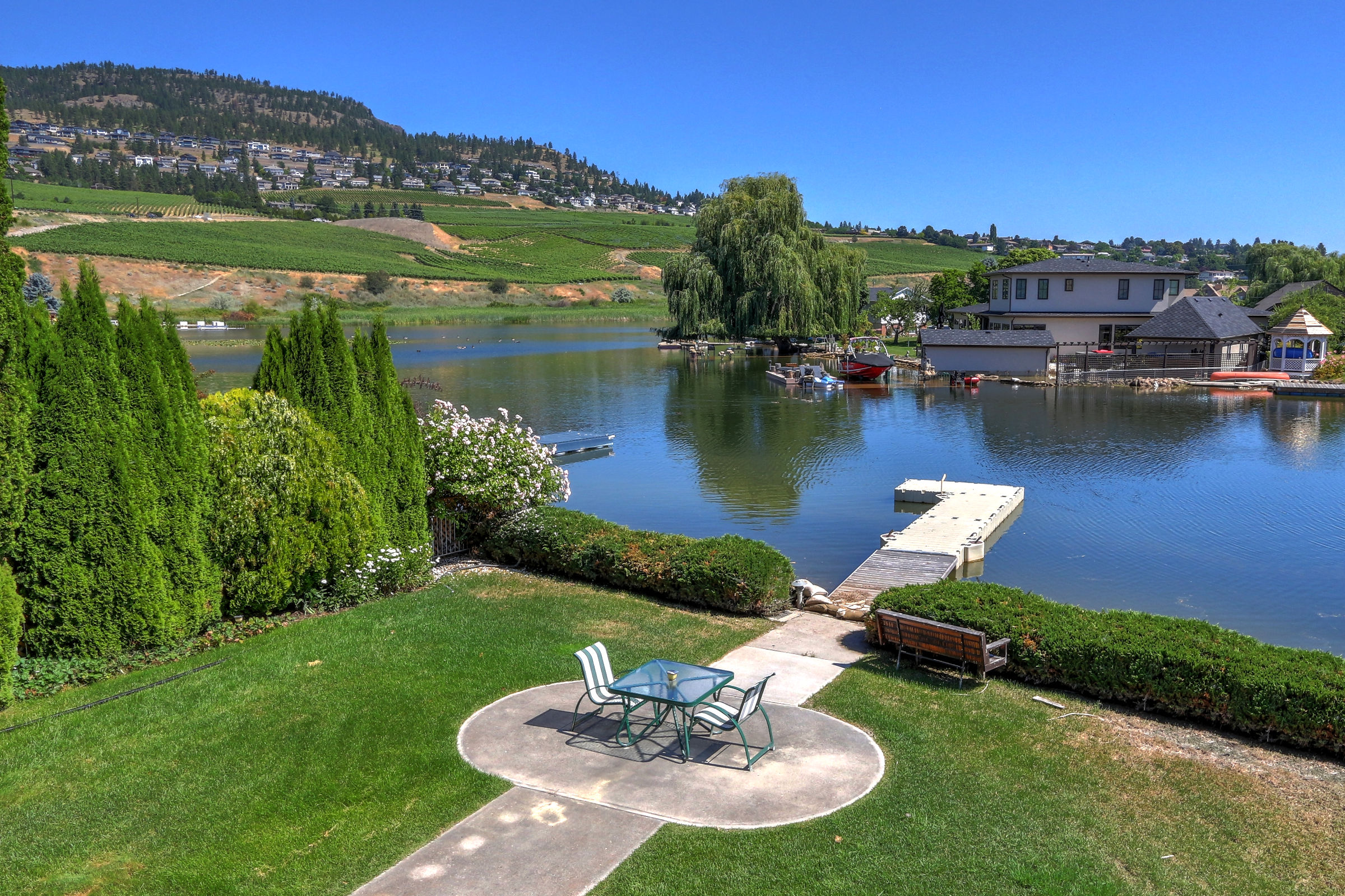 1404 Green Bay Road West Kelowna Bc V4t 2b8 Jane