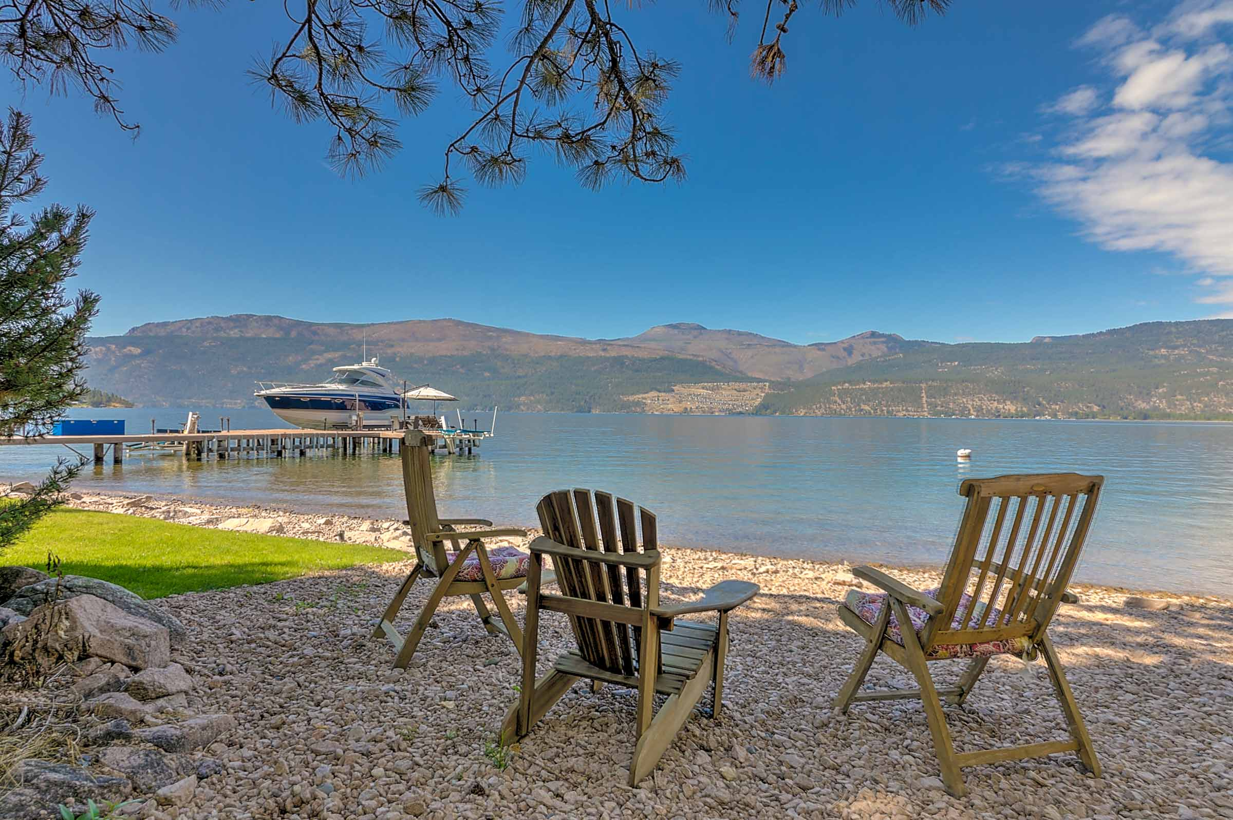 16838 Maki Road, Okanagan Lake