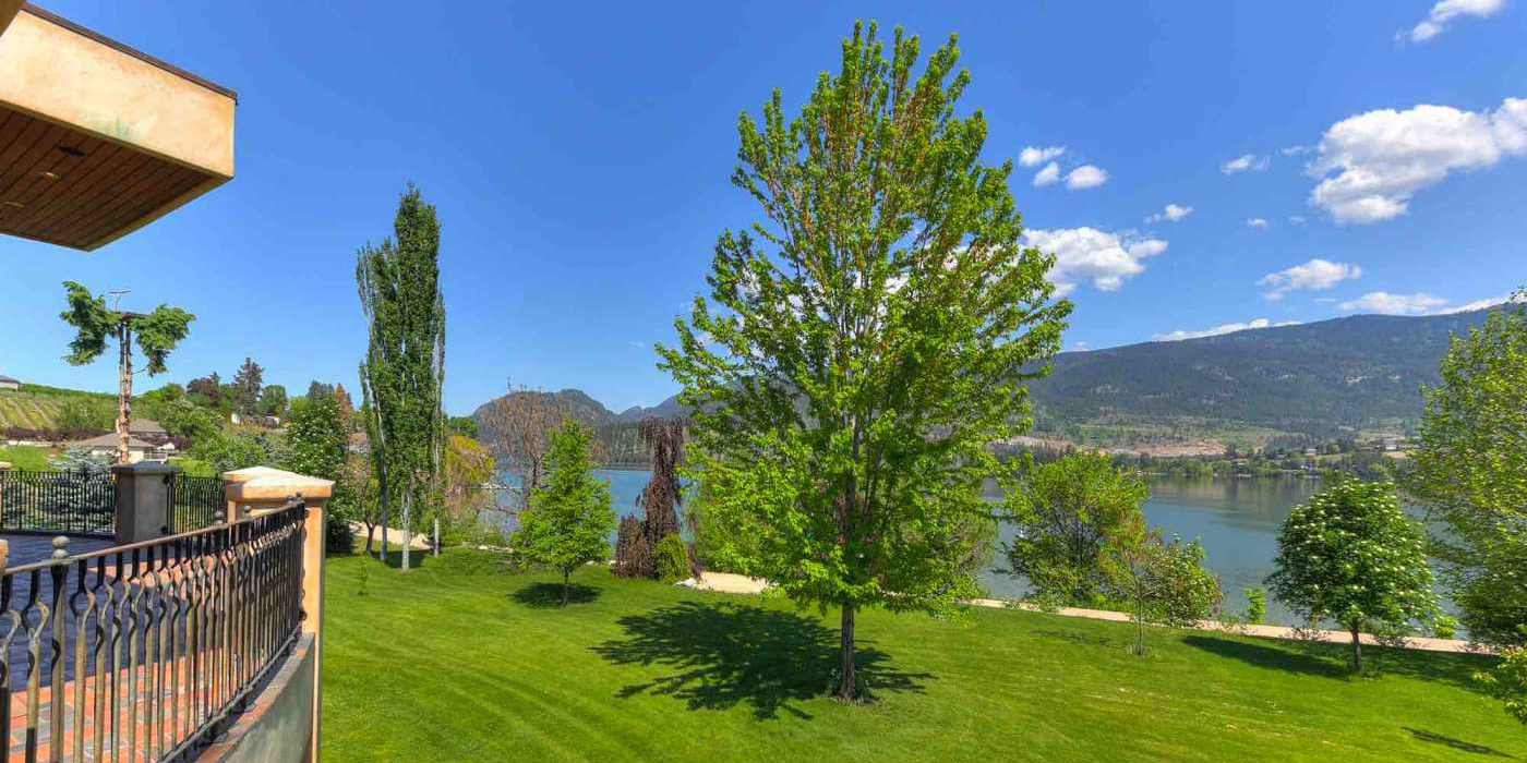 Kalamalka-Lake-Waterfront-Home-6